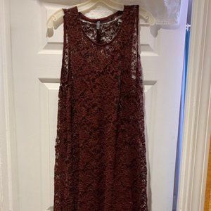 BURGUNDY Lace dress w/solid dress under